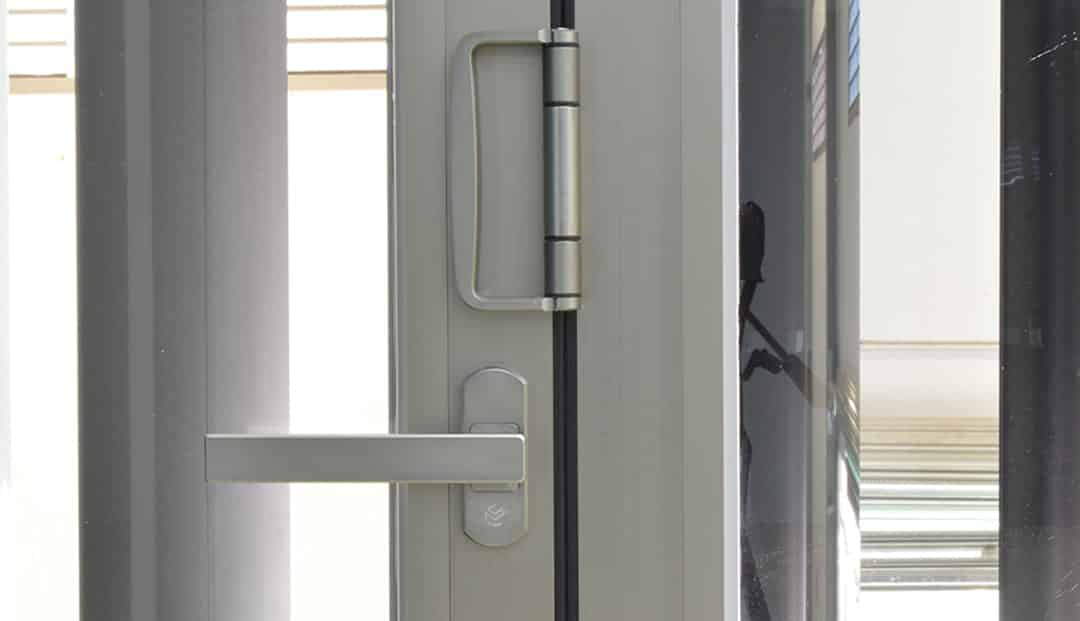 Cửa xếp lùa 5 cánh hệ LV56 thiết kế chắc chắn