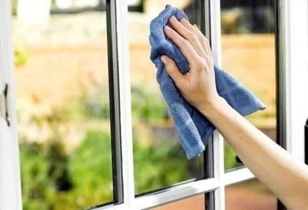 Những cách làm sạch cửa nhôm kính hiệu quả!!