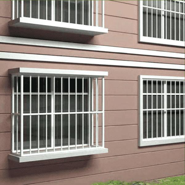 Thêm khung cửa bên trong hoặc bên ngoài làm tăng sự chắc chắn cho cửa