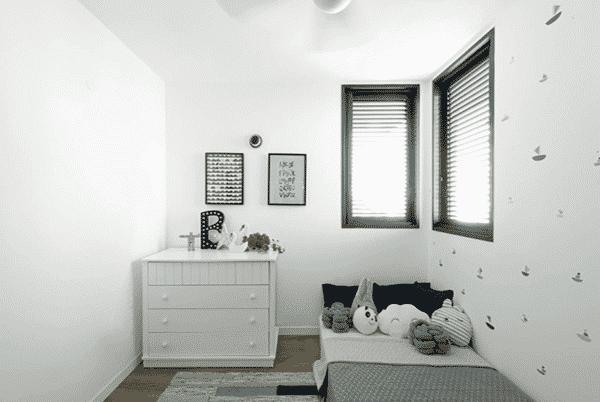 Cửa sổ lá sách cho phòng ngủ