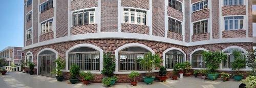 Cửa nhôm kính phù hợp cho mọi kiến trúc và màu sắc