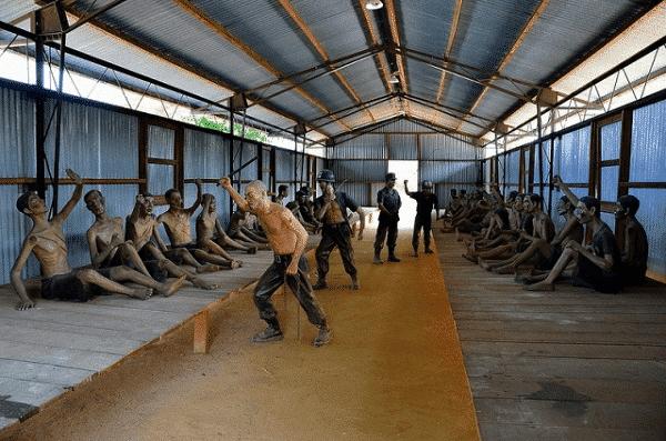 Bên trong một nhà giam tại nhà tù Phú Quốc